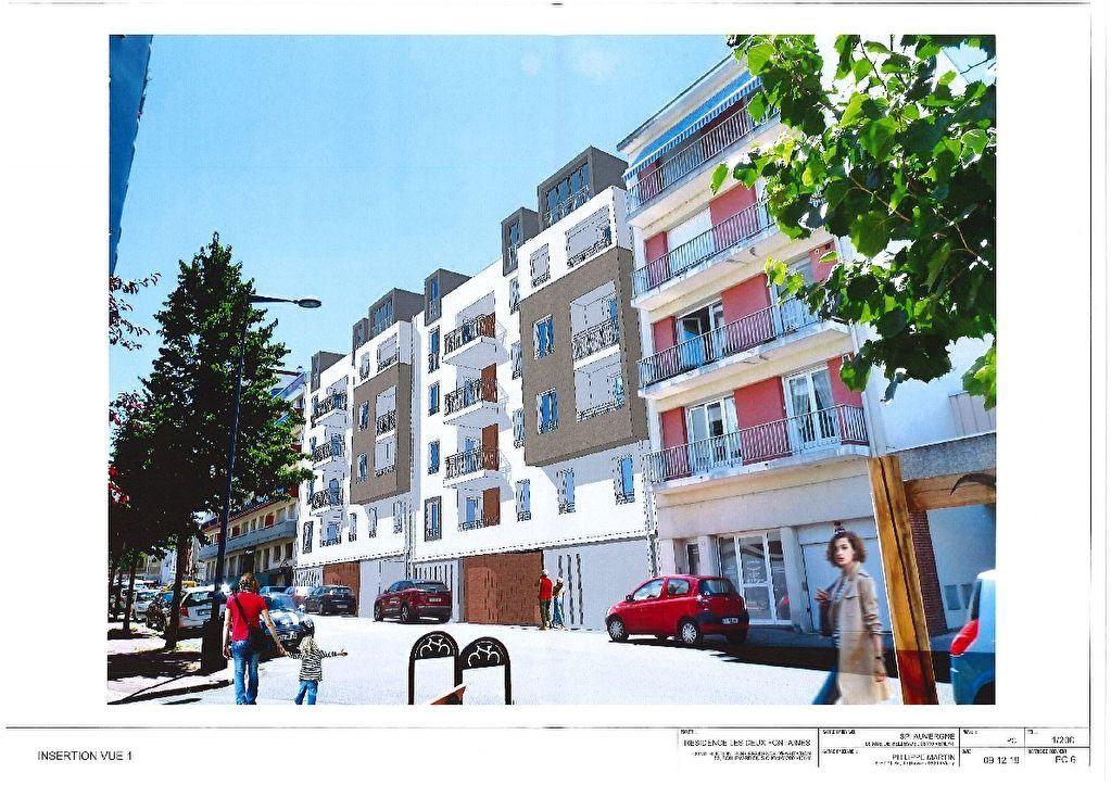 Appartement à vendre 4 126.97m2 à Vichy vignette-1