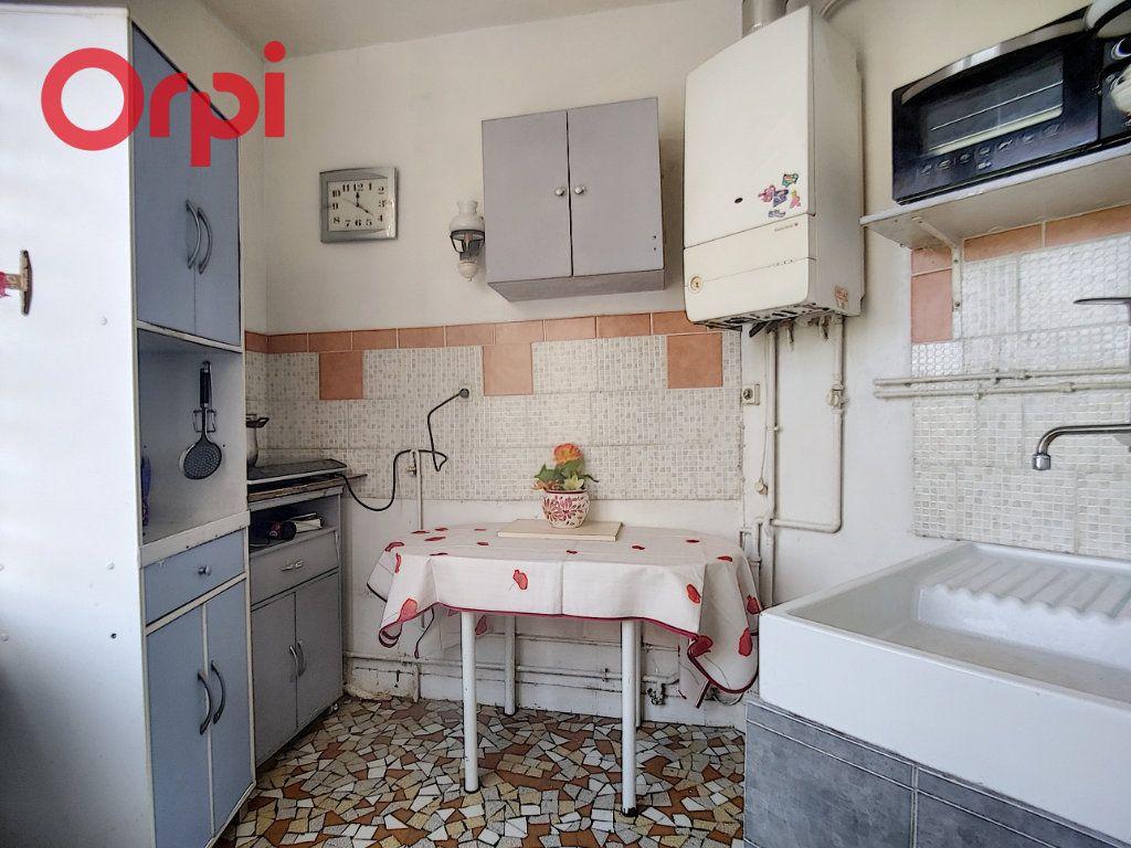 Appartement à vendre 2 38m2 à Vichy vignette-6