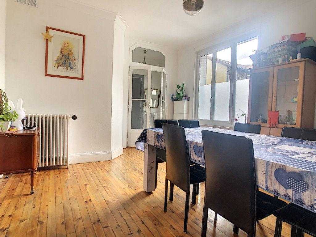 Maison à vendre 6 110m2 à Vichy vignette-1