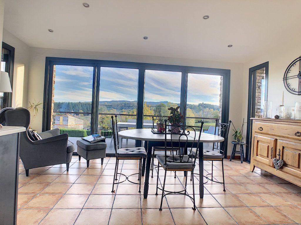 Maison à vendre 5 125m2 à Le Mayet-de-Montagne vignette-1