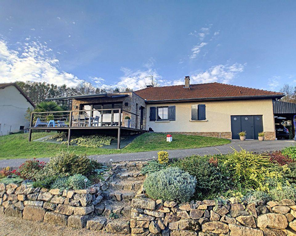 Maison à vendre 5 125m2 à Le Mayet-de-Montagne vignette-2