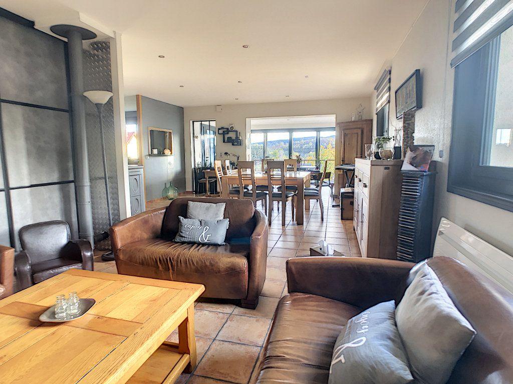 Maison à vendre 5 125m2 à Le Mayet-de-Montagne vignette-8