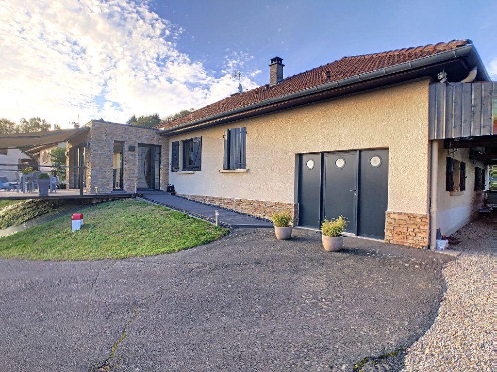 Maison à vendre 5 125m2 à Le Mayet-de-Montagne vignette-14