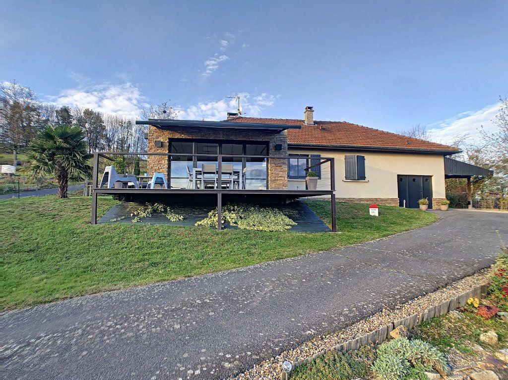 Maison à vendre 5 125m2 à Le Mayet-de-Montagne vignette-16