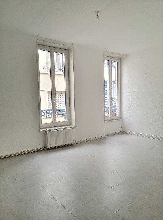 Appartement à louer 3 57.74m2 à Vichy vignette-1