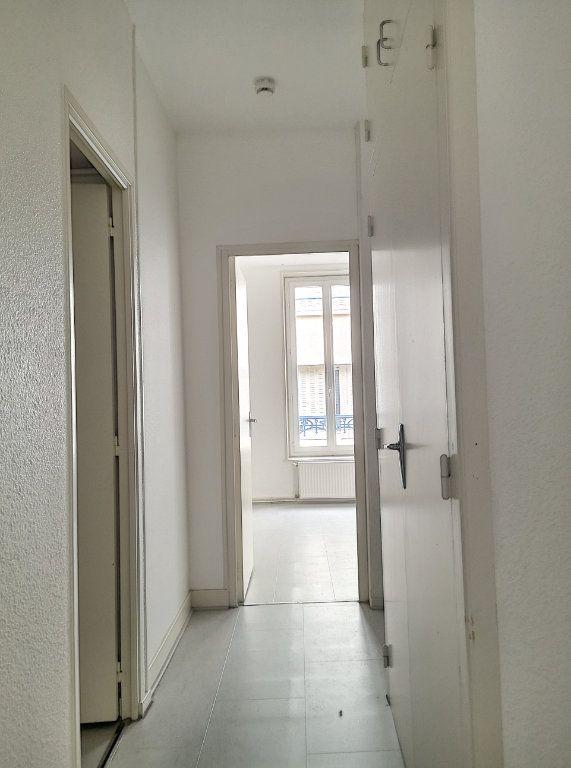 Appartement à louer 3 57.74m2 à Vichy vignette-4