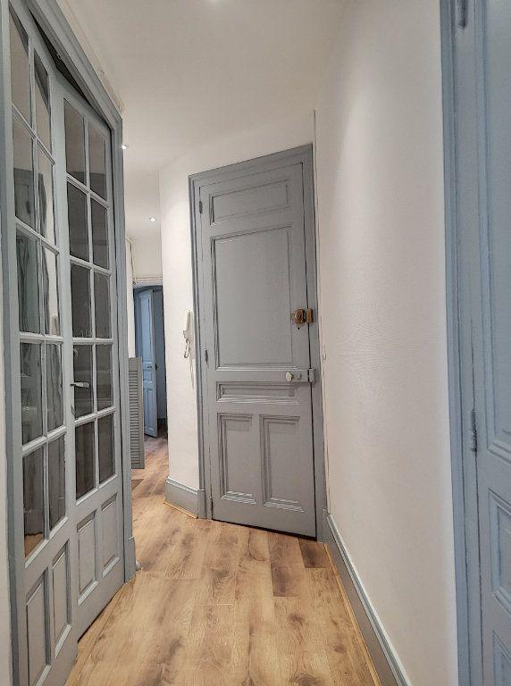 Appartement à louer 3 63.83m2 à Vichy vignette-2