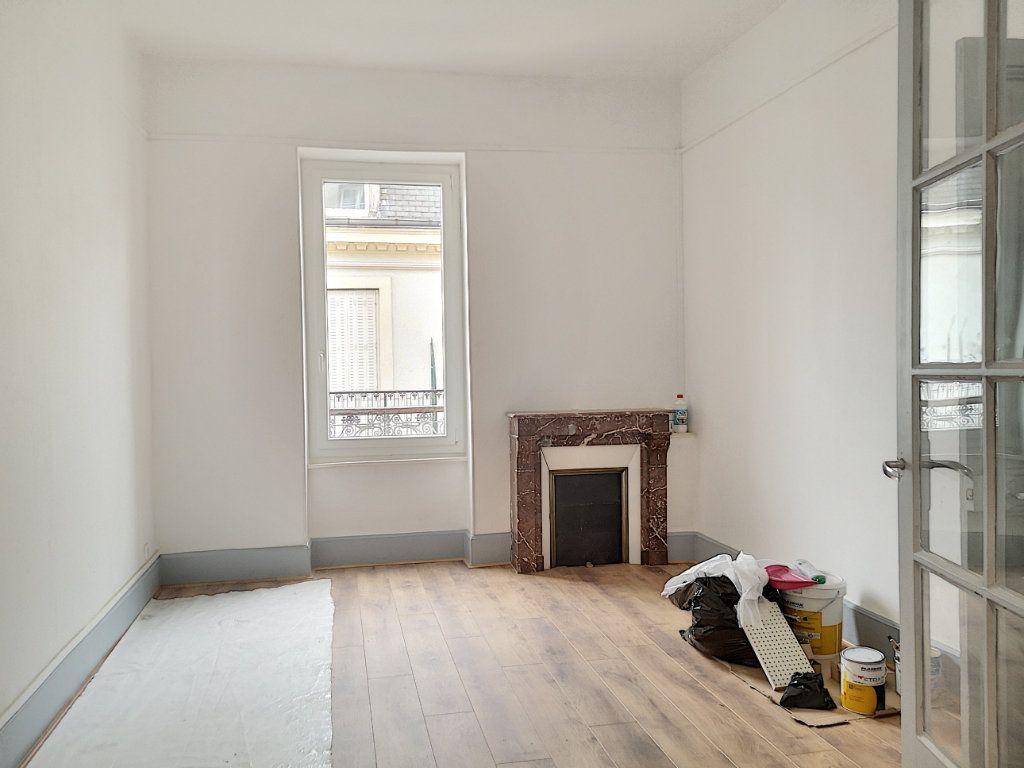 Appartement à louer 3 63.83m2 à Vichy vignette-5