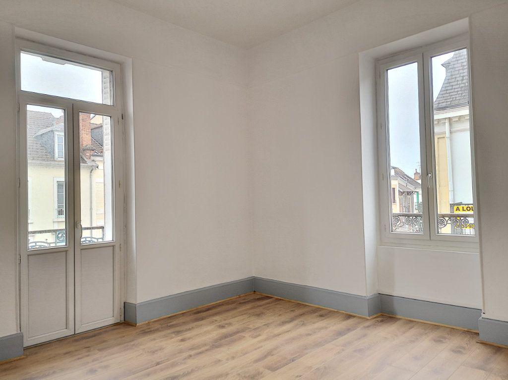 Appartement à louer 3 63.83m2 à Vichy vignette-7