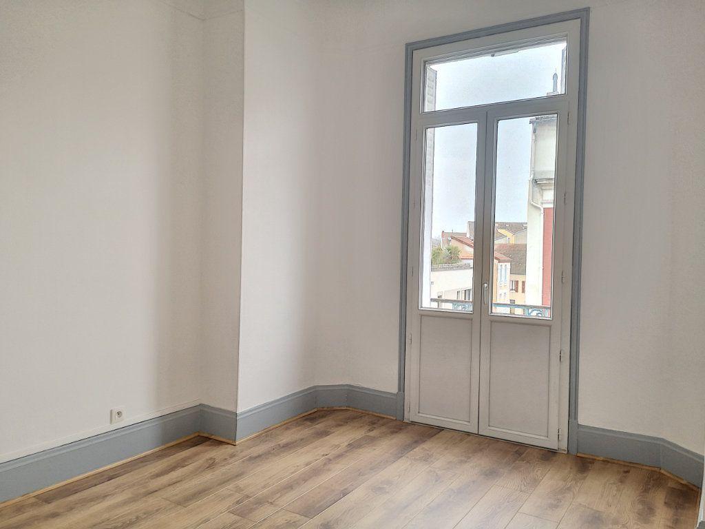 Appartement à louer 3 63.83m2 à Vichy vignette-9