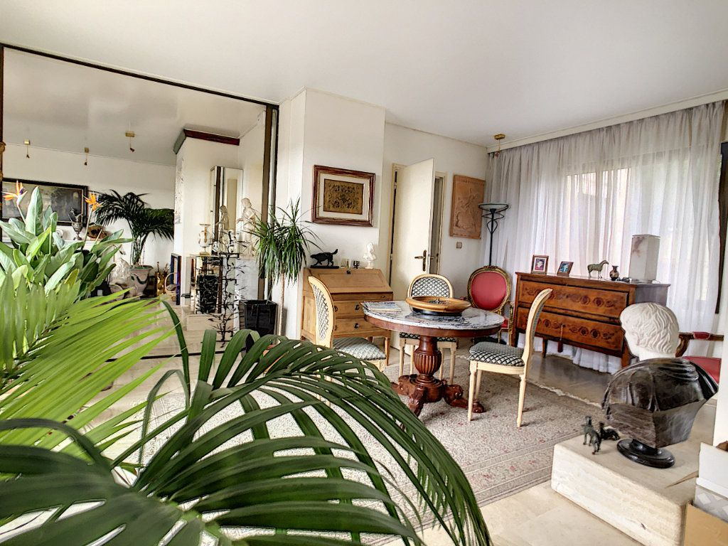 Maison à vendre 8 380m2 à Creuzier-le-Vieux vignette-2