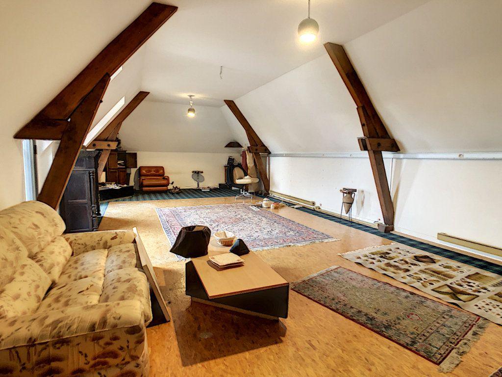 Maison à vendre 8 380m2 à Creuzier-le-Vieux vignette-3