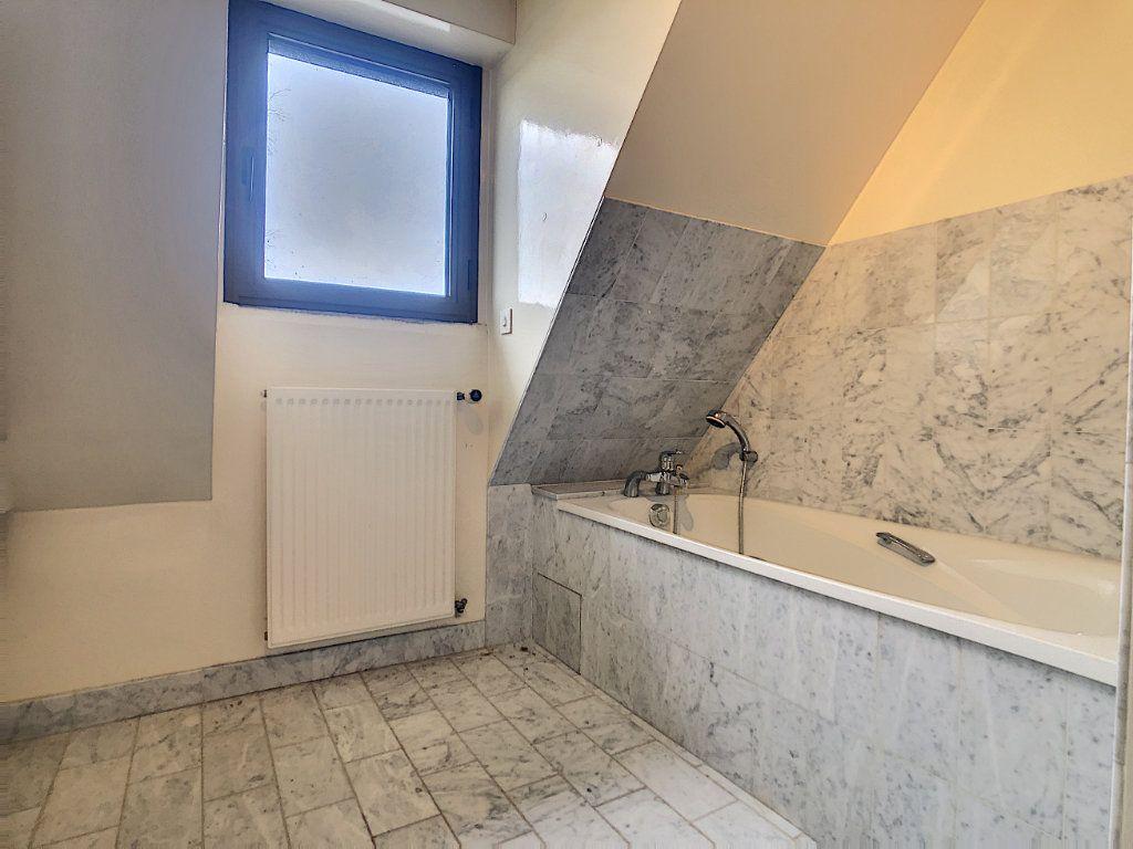 Maison à vendre 8 380m2 à Creuzier-le-Vieux vignette-6