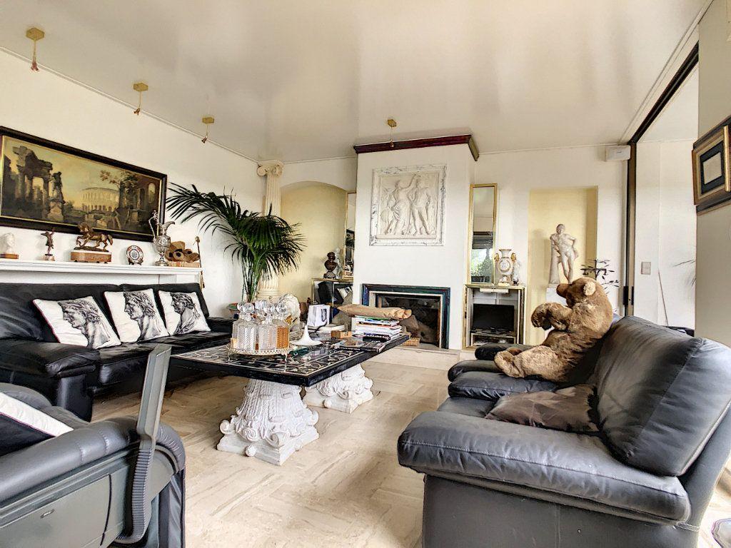Maison à vendre 8 380m2 à Creuzier-le-Vieux vignette-9
