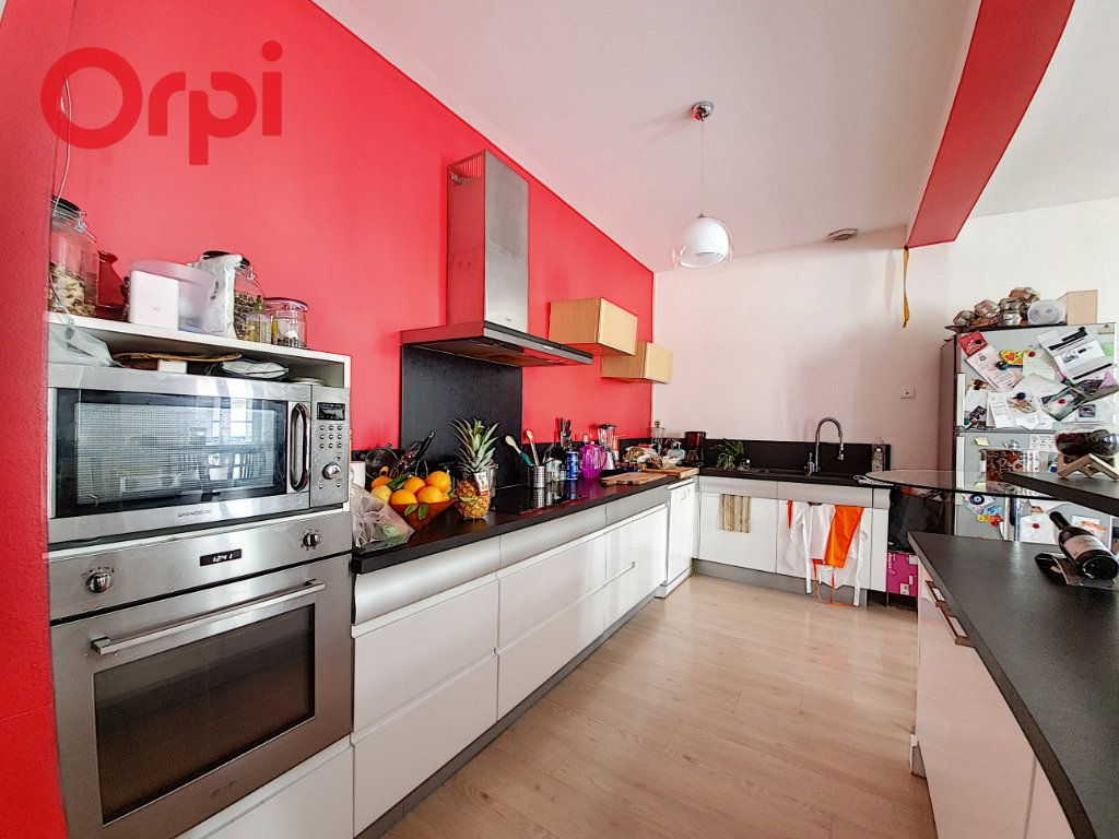 Appartement à vendre 4 120m2 à Vichy vignette-3