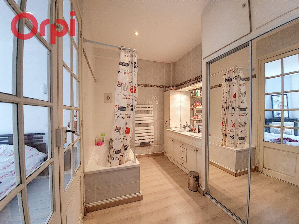 Appartement à vendre 4 120m2 à Vichy vignette-9