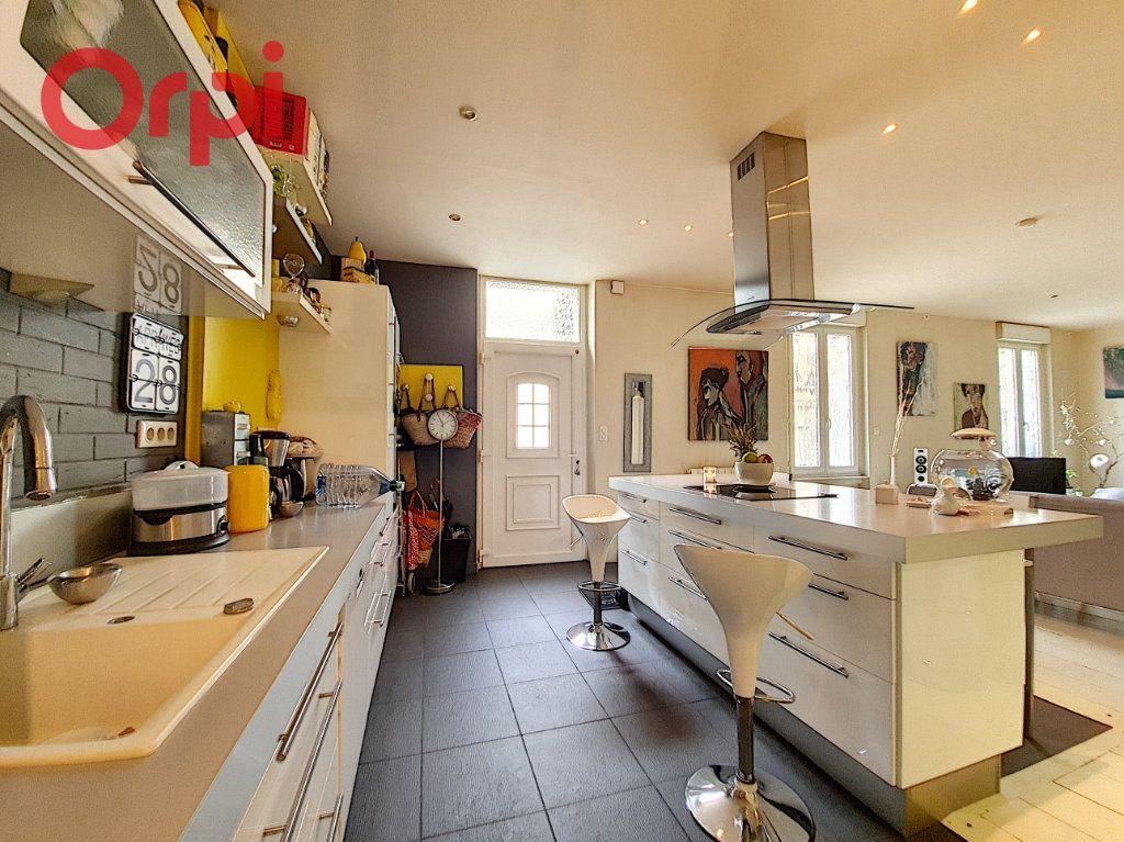 Appartement à vendre 4 97m2 à Vichy vignette-2