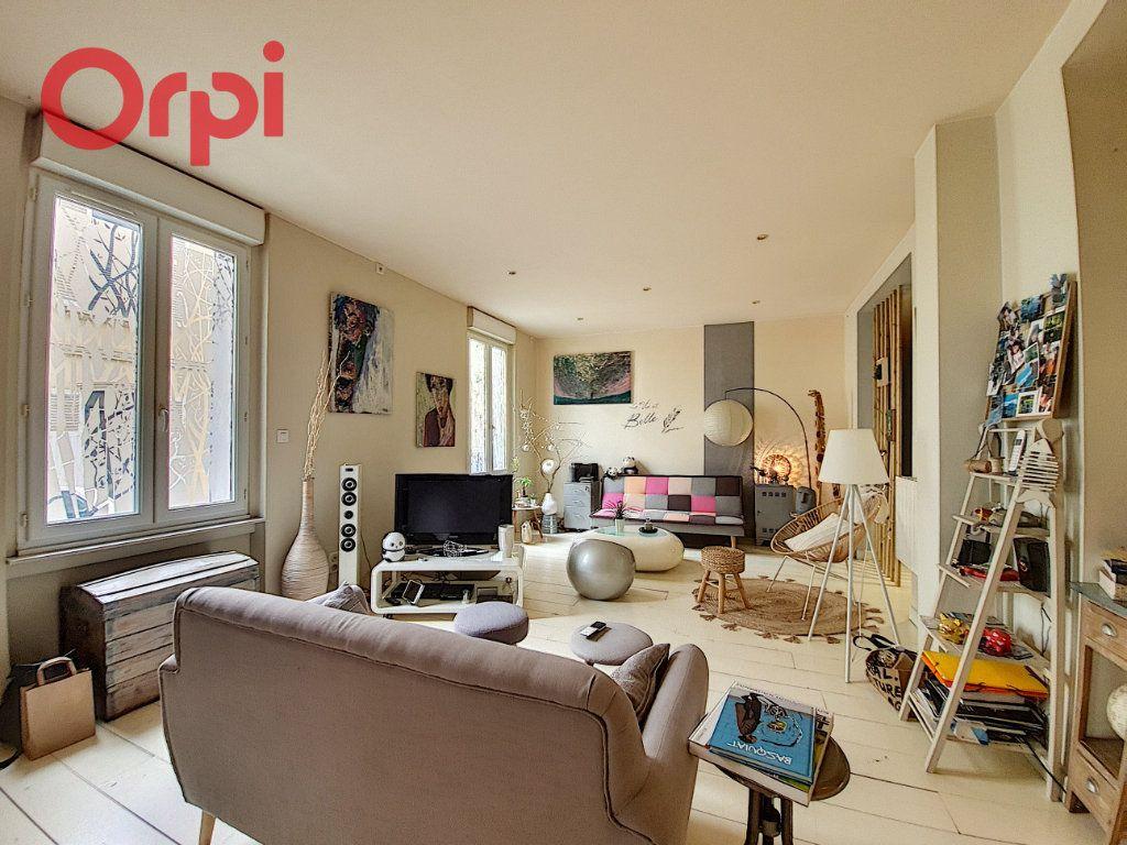 Appartement à vendre 4 97m2 à Vichy vignette-4