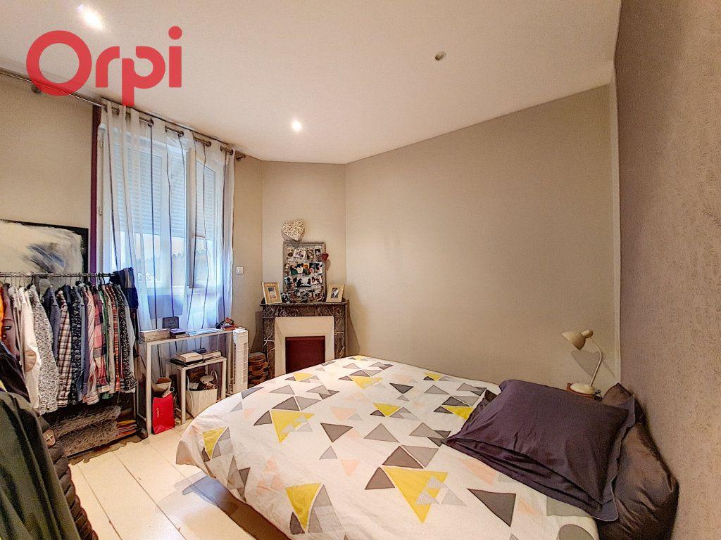 Appartement à vendre 4 97m2 à Vichy vignette-16