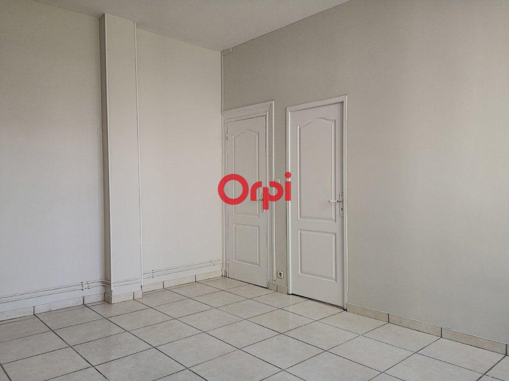 Appartement à louer 2 44m2 à Vichy vignette-3