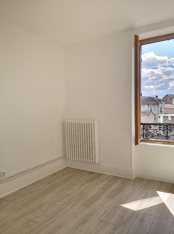 Appartement à louer 3 40m2 à Vichy vignette-3