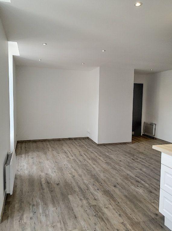 Appartement à louer 3 59m2 à Vichy vignette-4