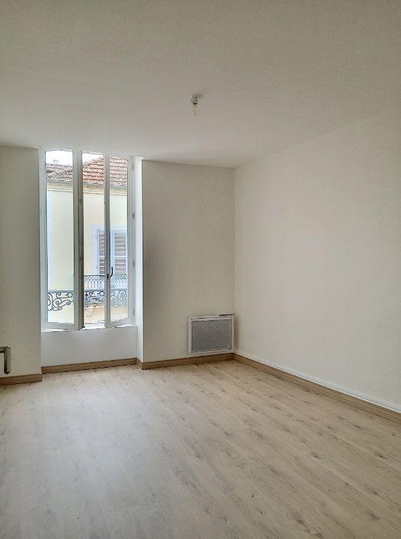 Appartement à louer 3 59m2 à Vichy vignette-5