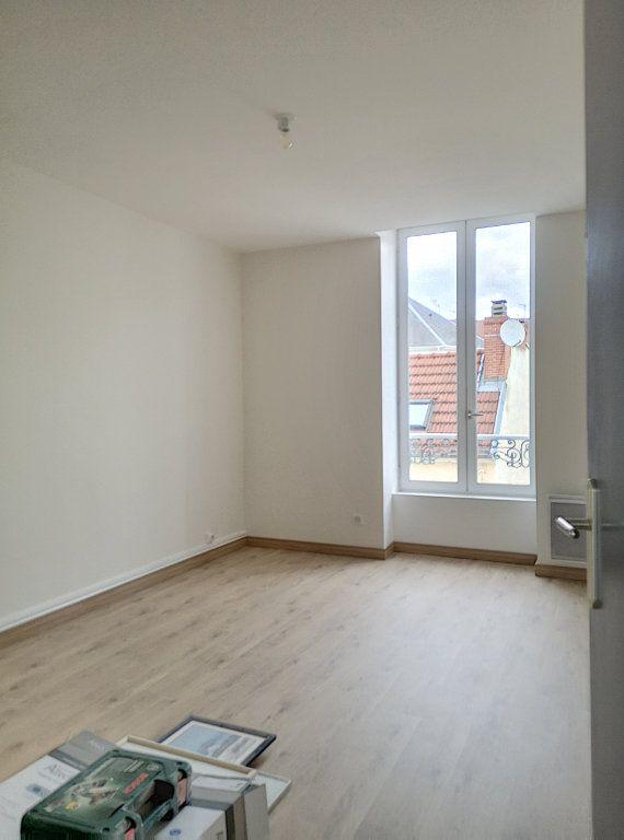 Appartement à louer 3 59m2 à Vichy vignette-6