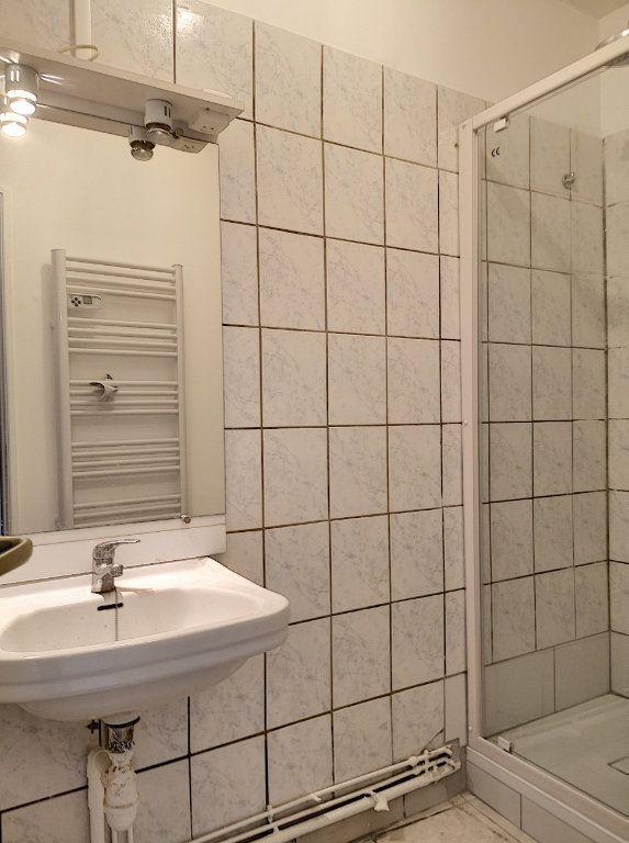 Appartement à louer 3 59m2 à Vichy vignette-7