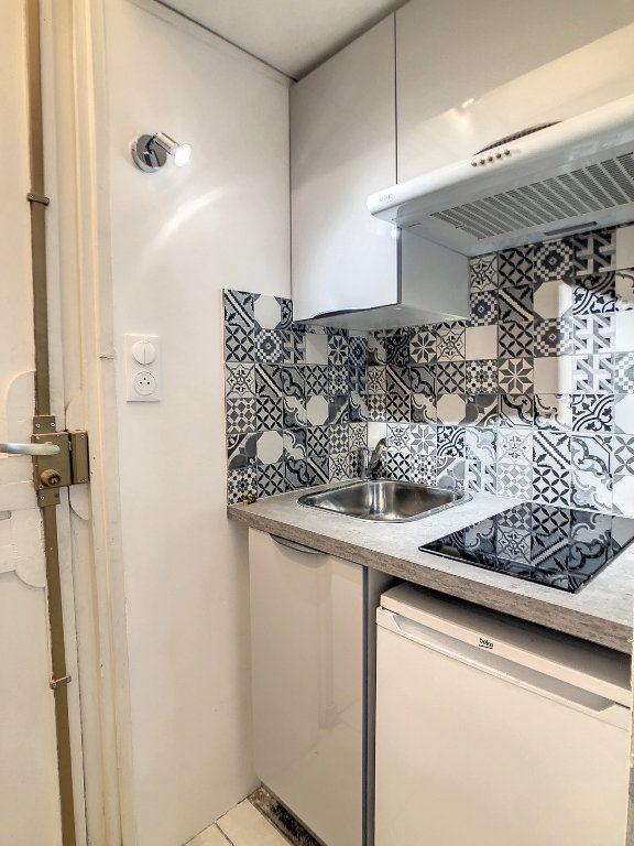 Appartement à louer 1 15m2 à Vichy vignette-1