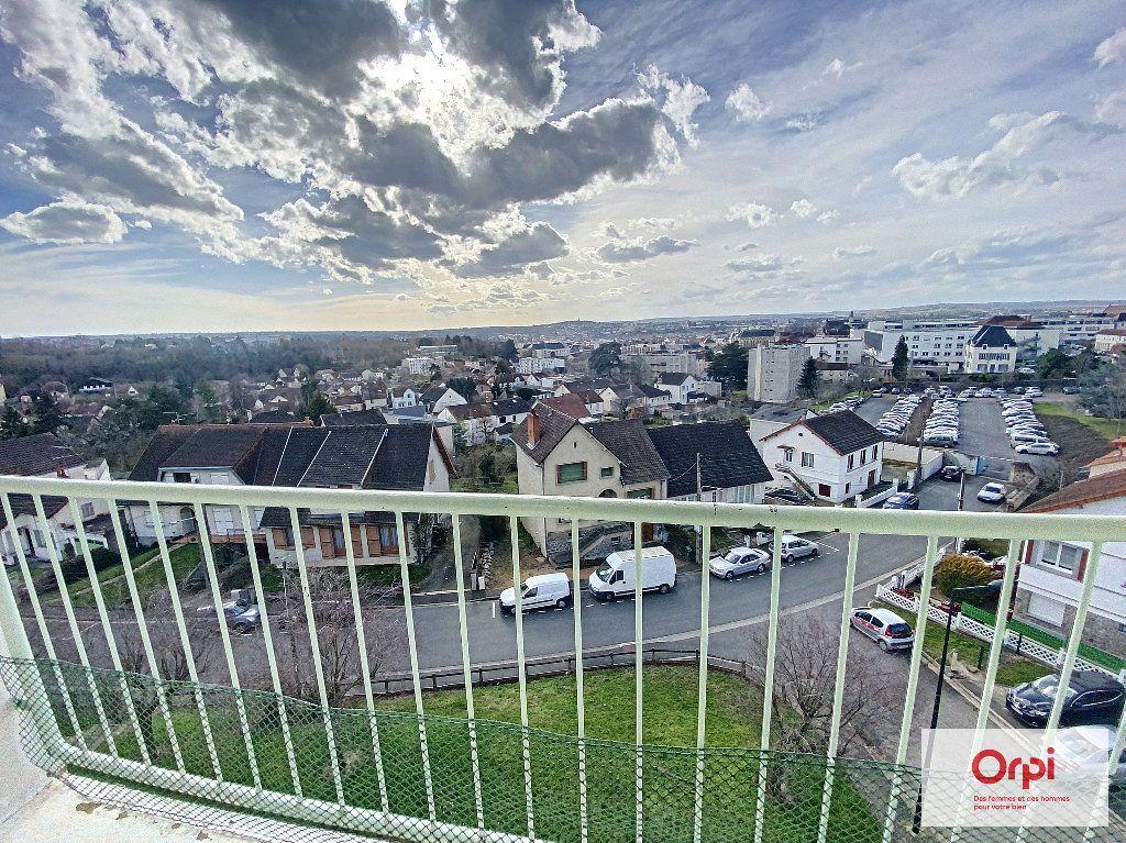 Appartement à louer 4 77m2 à Montluçon vignette-7