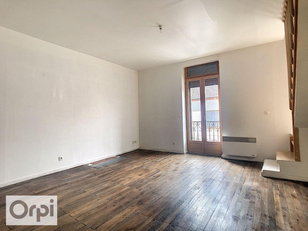 Appartement à louer 3 58m2 à Commentry vignette-2