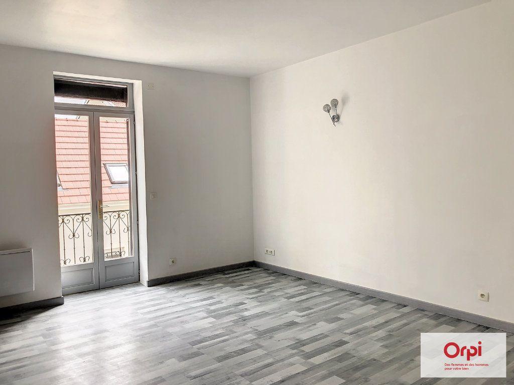 Appartement à louer 3 52m2 à Commentry vignette-3