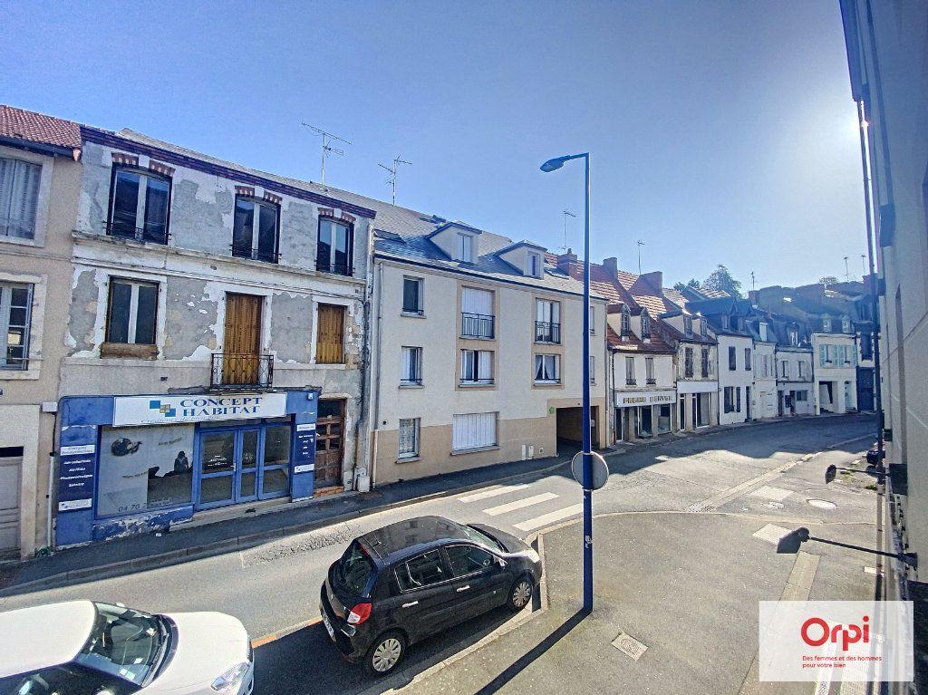 Appartement à louer 1 35m2 à Montluçon vignette-5