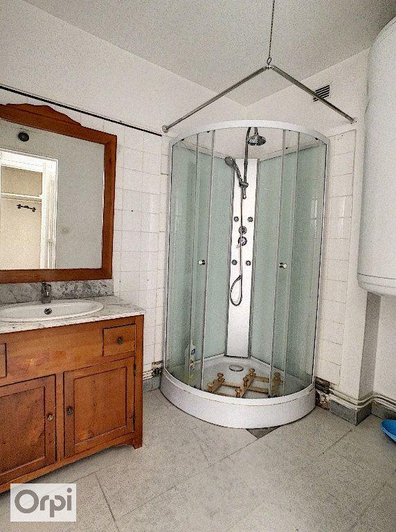 Appartement à louer 4 87.1m2 à Montluçon vignette-7
