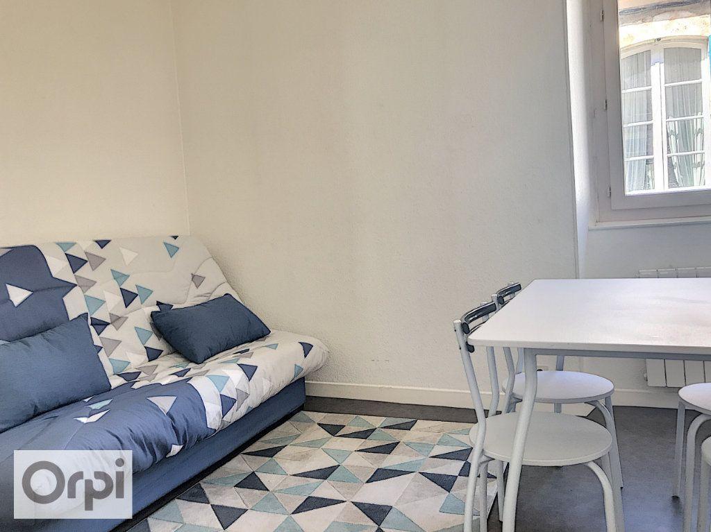 Appartement à louer 1 24.01m2 à Montluçon vignette-2