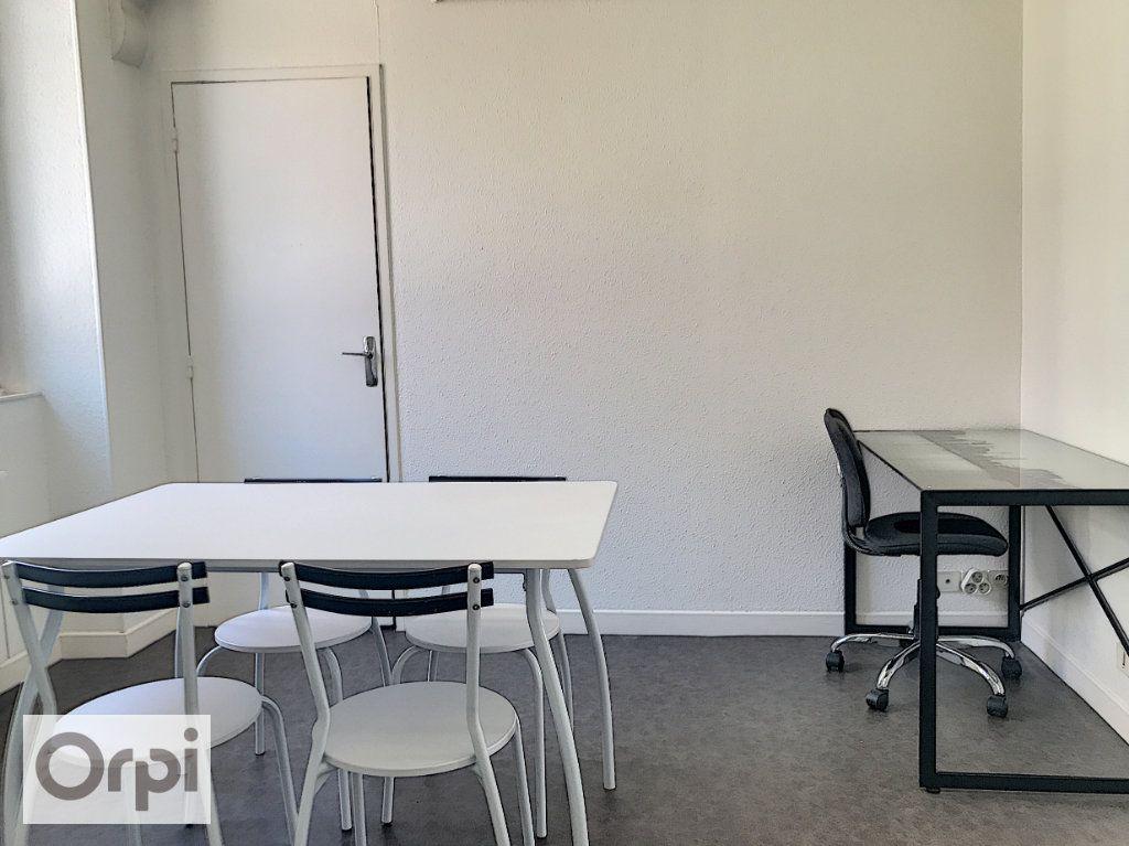 Appartement à louer 1 24.01m2 à Montluçon vignette-4