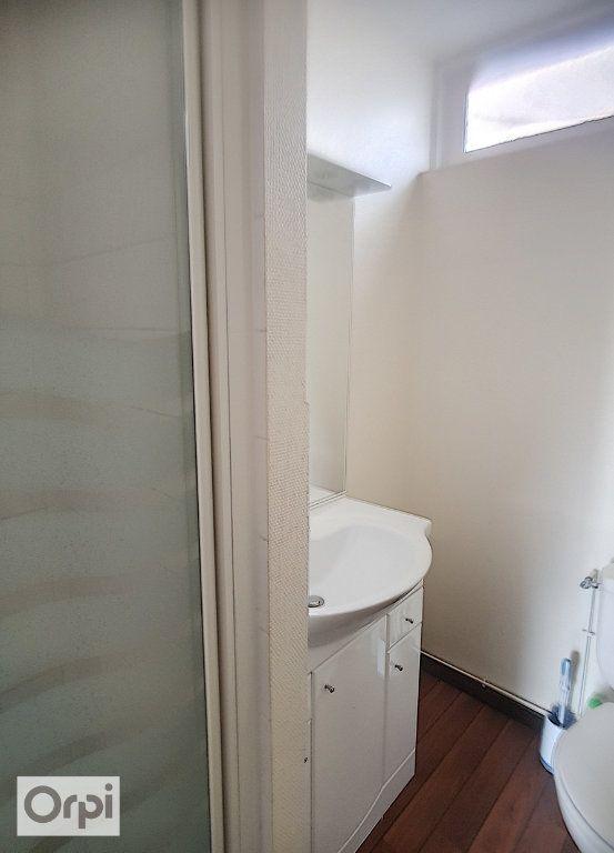 Appartement à louer 1 24.95m2 à Montluçon vignette-4