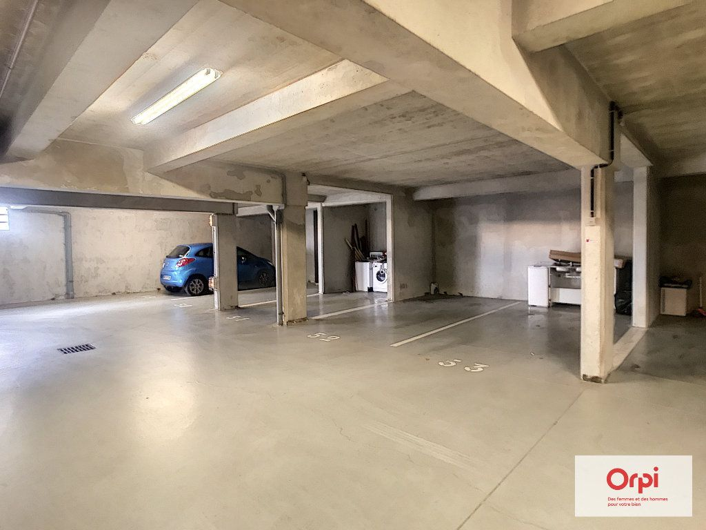 Appartement à louer 2 54m2 à Montluçon vignette-6