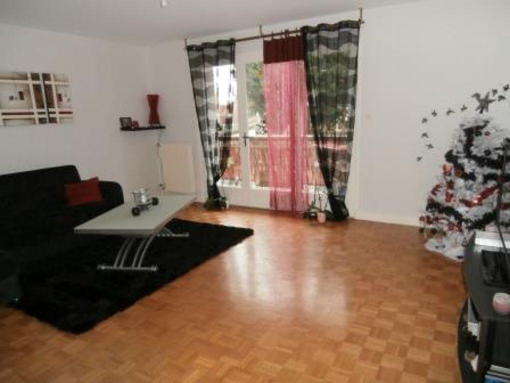 Appartement à louer 4 85m2 à Montluçon vignette-1
