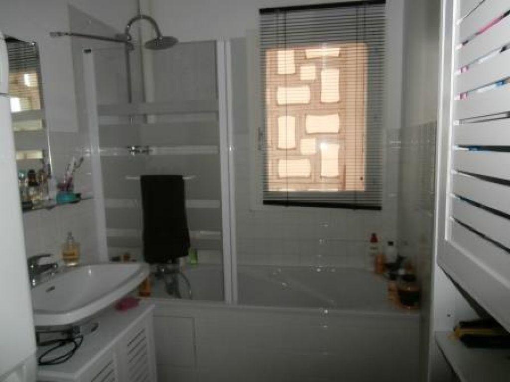 Appartement à louer 4 85m2 à Montluçon vignette-6