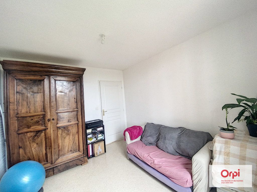 Appartement à louer 4 90.95m2 à Montluçon vignette-4