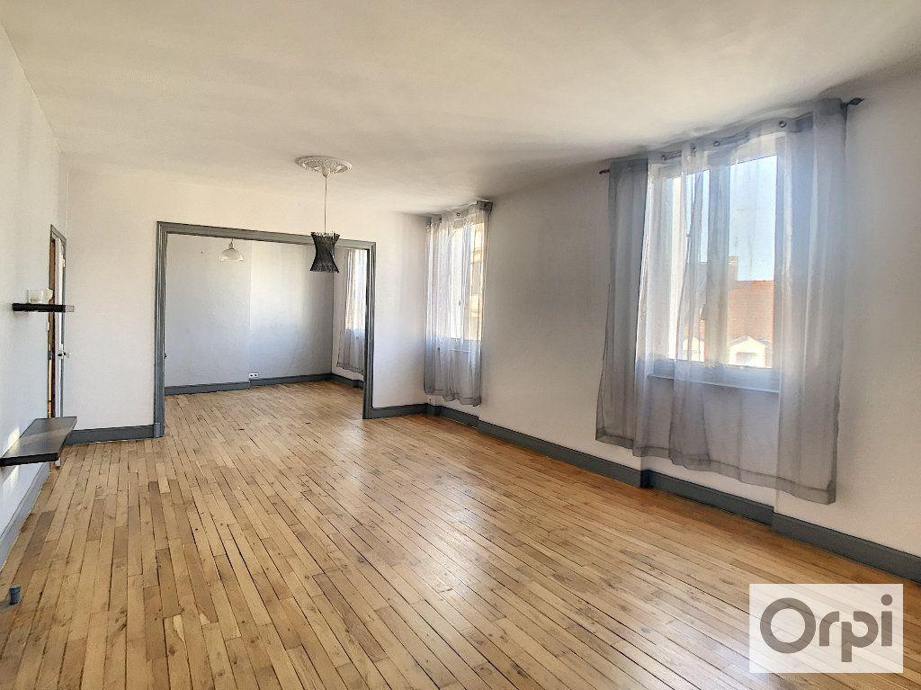 Appartement à louer 3 108m2 à Montluçon vignette-3