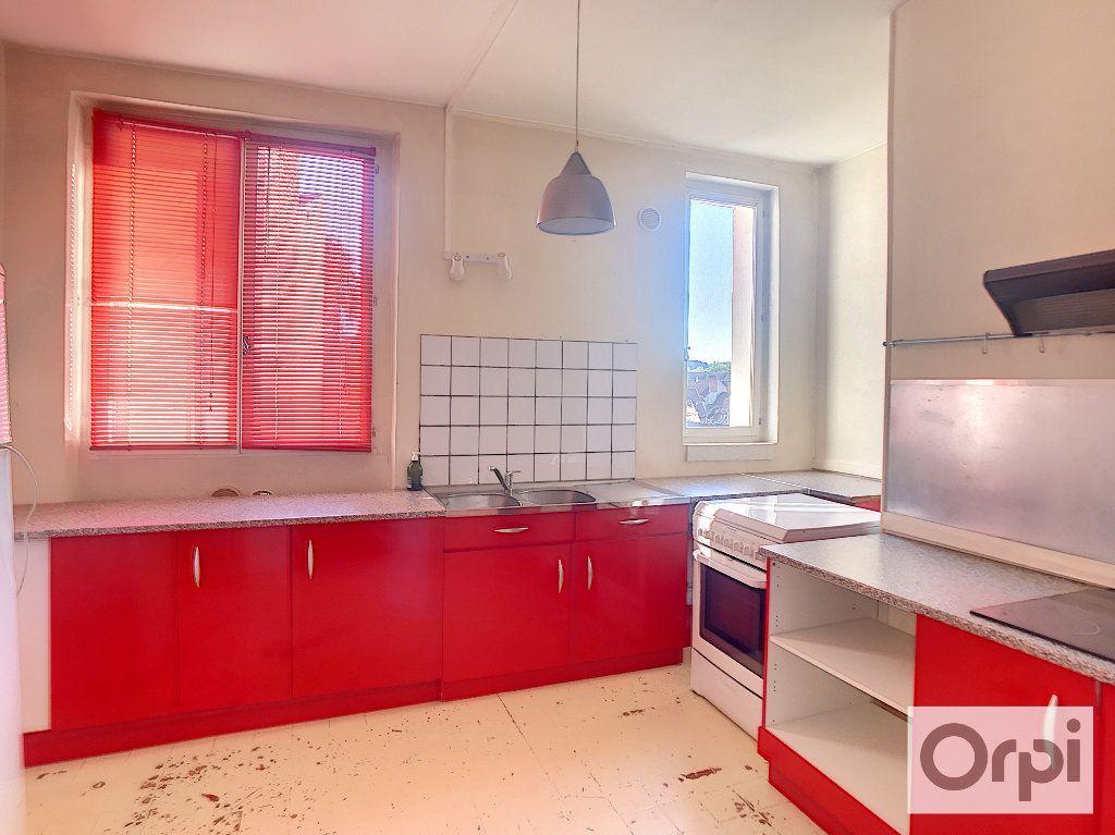 Appartement à louer 3 108m2 à Montluçon vignette-7