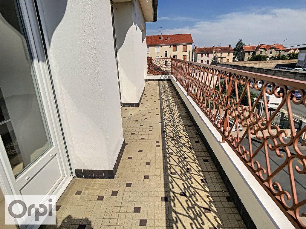 Appartement à louer 4 94m2 à Montluçon vignette-5