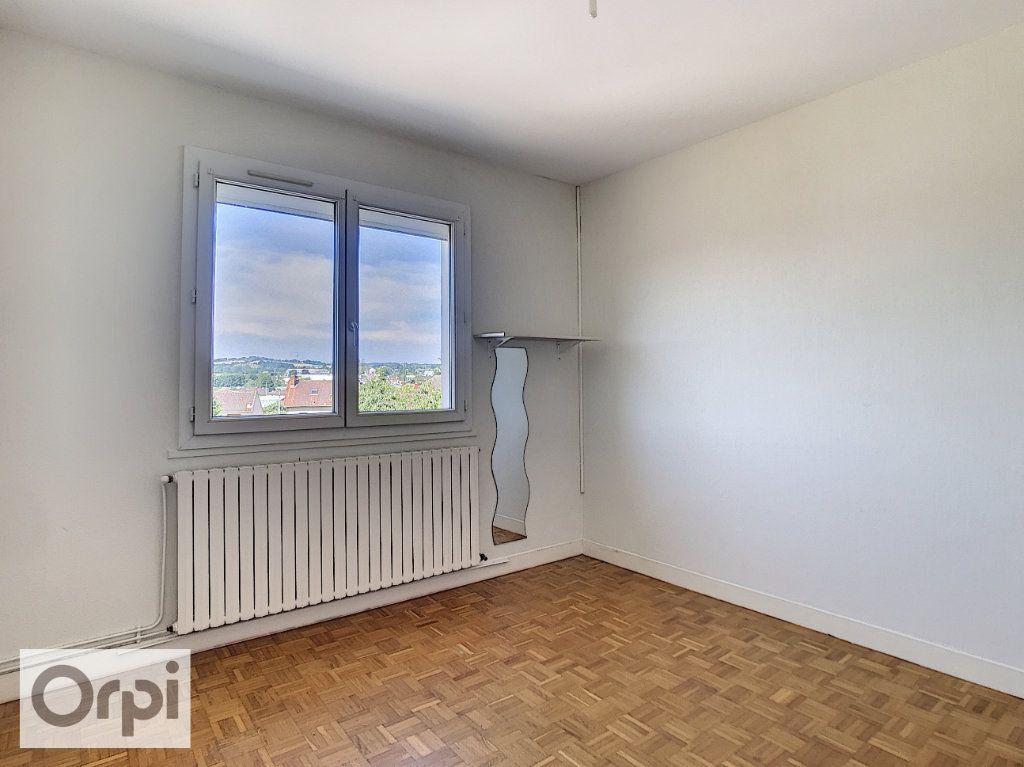 Appartement à louer 4 94m2 à Montluçon vignette-8