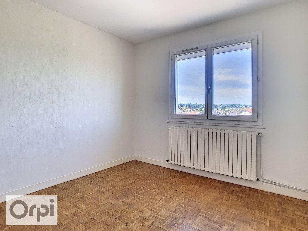 Appartement à louer 4 94m2 à Montluçon vignette-10