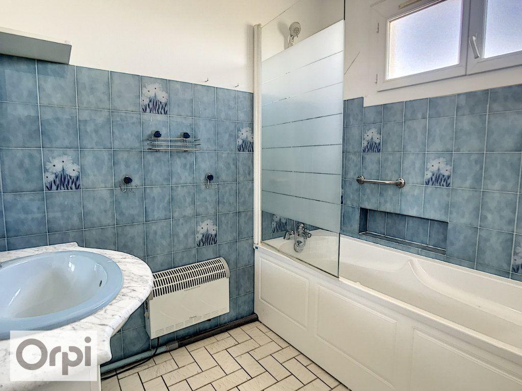 Appartement à louer 4 94m2 à Montluçon vignette-12