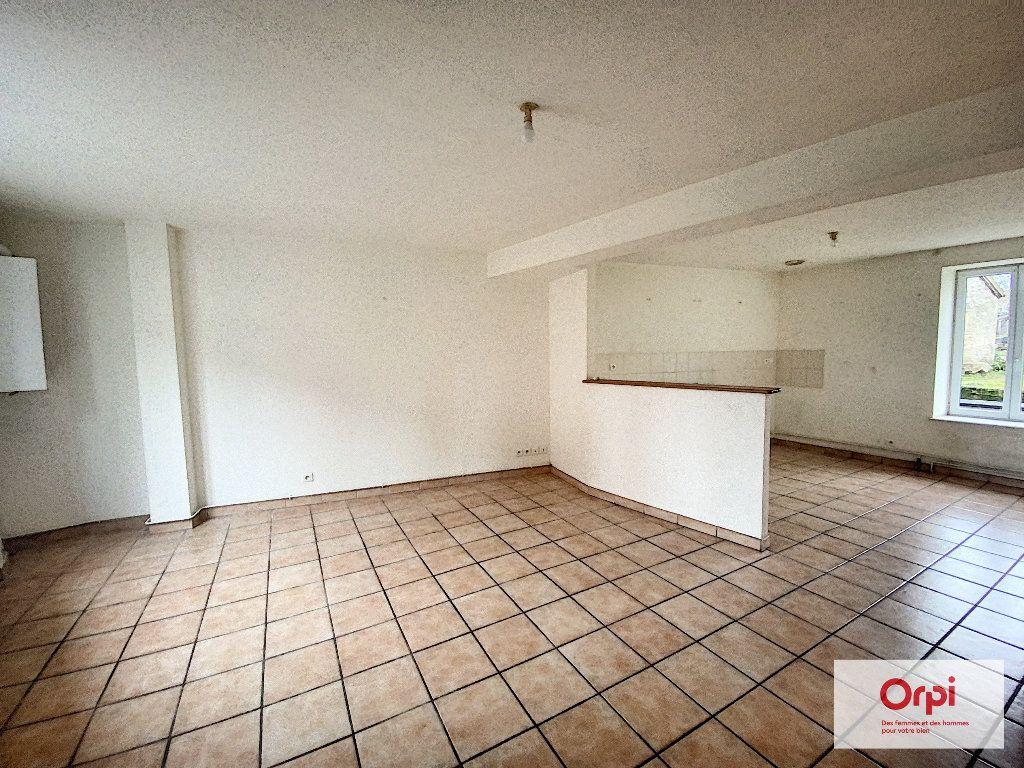 Appartement à louer 3 54m2 à Commentry vignette-2