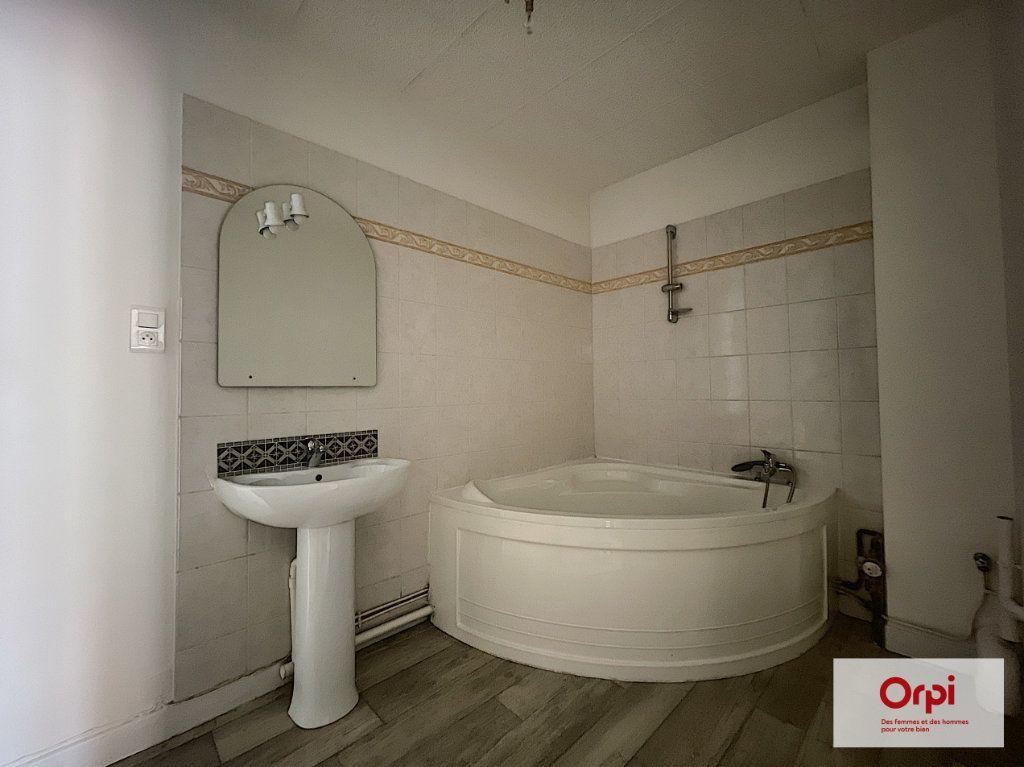 Appartement à louer 2 49m2 à Montluçon vignette-6